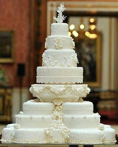Elegant and Fancy Royal Wedding Cakes . Elegant and Fancy Royal Wedding Cakes Photo courtesy of Alehouse Extravagant Wedding Cakes, Beautiful Wedding Cakes, Beautiful Cakes, Amazing Cakes, William Kate Wedding, Super Torte, Kate Middleton Wedding, Wedding Cake Decorations, Cake Wedding