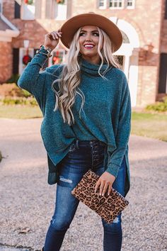 Felt Hat Outfit, Fedora Outfit, Fedora Hat Women, Fedora Hats, Outfits With Hats, Chic Outfits, Teal Outfits, Pretty Outfits, Winter Fashion Casual