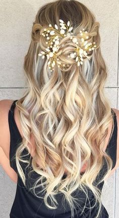 beautiful hairstyle with a jewelry for anyone who wants to look like perfect