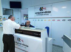 """Il noleggio auto a Olbia è comodo e low-cost. Si può risparmiare a seconda dei casi ma alla fine è bene provare. Anche perchè ci sono diversi sistemi che l'auto prevede. Certo capire come fare se non si ha la carta di credito e poi bisogna anche disdire. A Olbia son tutti nel terminal rent a car. Comunque io prendo l'auto a noleggio o in affitto che sia con la compagnia """"Only Sardinia Autonoleggio"""". Sta lì."""