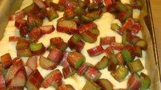 Ciasto drożdżowe bez wyrabiania z rabarbarem