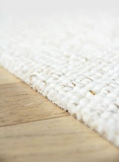 DIY: A large carpet for less than 100 € - angel's head recuento alfombra remanentes Plush Carpet, Diy Carpet, Rugs On Carpet, Carpet Ideas, Sisal Carpet, Hall Carpet, Hallway Carpet Runners, Cheap Carpet Runners, Stair Runners