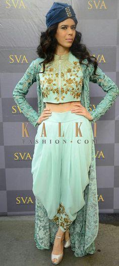 Designer Salwar Suits: Buy Indian Salwar Kameez & Suits for Women Online Indian Fashion Dresses, Indian Gowns, Indian Designer Outfits, Indian Attire, India Fashion, Asian Fashion, Designer Dresses, Boho Fashion, Fashion Hats