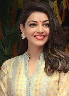 Kajal Aggarwal Beautiful Women Pictures, Beautiful Asian Women, Beautiful Smile, Gorgeous Lady, Beautiful Bollywood Actress, Most Beautiful Indian Actress, Beautiful Actresses, Kajal Agarwal Saree, South Indian Actress Hot