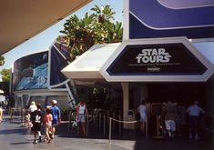 Everyone loves visiting Disney World Hollywood Studios and taking a step into the movies. You love the Disney movies and now you can be a part of them with your family as well. Disney's Hollywood Studios offers a grand time for families of all ages to enjoy the thrill of racing through the stars or watching action packed stunt shows.  #hollywoodstudios #disneyworld
