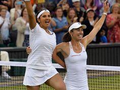 Roger Federer Congratulates Sania Mirza-Martina Hingis on Wimbledon Triumph Roger Federer  #RogerFederer