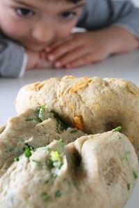 κριτσινια με σπανακι η καροτο | Real Family Food Breads, Cooking Recipes, Food, Bread Rolls, Chef Recipes, Essen, Bread, Meals, Eten