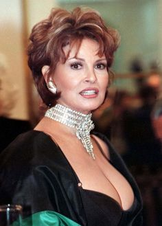 Raquel Welch hair styles | Picture of Raquel Welch's hairstyle - Short hairstyle for women over ...