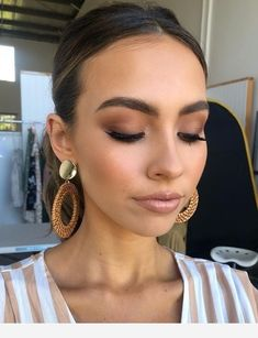 Today for Petal & Pup Babe Deni McDermott eye makeup with .- Heute für Petal & Pup Babe Deni McDermott Augen Make-up mit min… Today for Petal & Pup Babe Deni McDermott Eye Makeup with min … - Makeup Trends, Makeup Hacks, Makeup Inspo, Makeup Inspiration, Makeup Tips, Makeup Ideas, Makeup Style, Makeup Goals, Make Up Geek