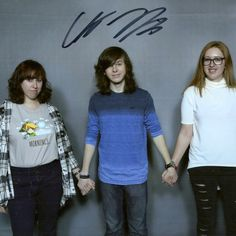 Chandler Riggs is so kind!!! U know in his head he's like OMG where's the hand sanitizer!!