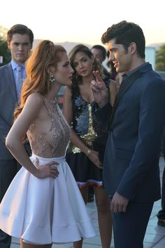 "S1 Ep2 ""A Star Is Torn"" - This is R in sign language. When you need me, just throw up the sign."" #Raige #FamousInLove"
