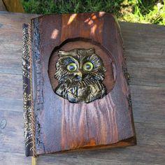 Gufo (libro di casella) Owl Box, Blank Page, Nesting Boxes, Book Gifts, Fantasy World, Nest Box, Period, Paper, Fabric