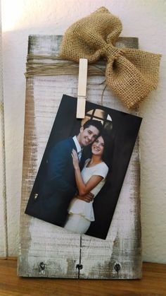 Pallet Board Picture Holder with Burlap Bow | Jane