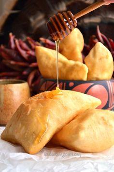 The Goldilocks Kitchen: Authentic New Mexican Sopaipillas (Sopa-pee-ya)