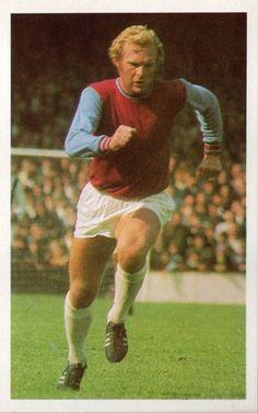 Pure Football, West Ham United Fc, Bobby Moore, Soccer Stars, Champion, England, Sports, Hs Sports, English