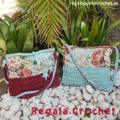 Bolso crochet combi trapillo y tela. Diseños originales. #bolso #crochet tejido combinando #trapillo y tela. Cierre de botón o cremallera. Para colgar al hombro. #RegalaPuntoCrochet #handmade
