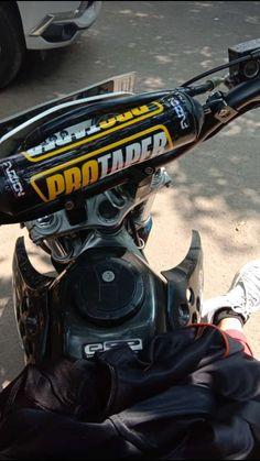 Motorcross Bike, Motocross, Biker Photoshoot, Cool Dirt Bikes, Go Ride, Smoke Photography, Dirt Bike Girl, Adore U, Motosport