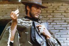 """Clint Eastwood hielt die Erfolgsaussichten von """"Für eine Handvoll Dollar"""" für eher überschaubar, freute sich aber darauf, einmal an die Drehorte in Spanien und Italien zu kommen. Über fehlende Internationalität konnte er sich dann auch nicht beklagen: Am Set herrschte ein ständiges Wirrwarr unterschiedlichster Sprachen. Seine Filmparterin Marianne Koch etwa antwortete ihm auf Deutsch."""