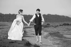 bryllupsfotograf#bryllup#brud#brudekjole#brudepar#bryllupsbilder#brudgom#fotograf#bryllupseventyr#sveinbrimi#bryllupsplanlegging#bryllupsbilde#bryllupsinsirasjon#nordiskebryllup Couple Photos, Couples, Instagram, Couple Shots, Couple Photography, Couple, Couple Pictures