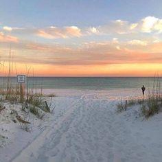 Beach Aesthetic, Summer Aesthetic, Travel Aesthetic, Nature Aesthetic, Pretty Sky, Photo Wall Collage, Jolie Photo, Aesthetic Pictures, Pretty Pictures