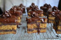 Amandine reteta originala de cofetarie | Savori Urbane Cacao Beans, Fondant, Cheesecake, Romania, Sweet, Desserts, Food, Deserts, Recipies