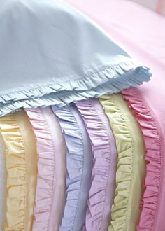 ~ Living a Beautiful Life ~ Color Pastel - Pastels! Modern Colors, Soft Colors, Pastel Colors, Colours, Soft Pastels, Beige Bed Linen, Linens And More, Pastel Palette, Pastel Shades