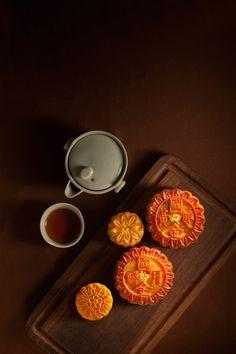 Mooncake Madness! The Best Mid-Autumn Treats  Source: http://www.sassyhongkong.com/mooncakes-mid-autumn-hong-kong-eatdrink/