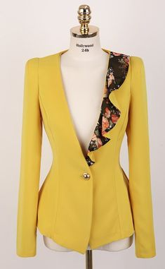 Blazers For Women, Suits For Women, Jackets For Women, Floral Blazer, Yellow Blazer, Blazer Fashion, Blazer Dress, Work Attire, African Fashion