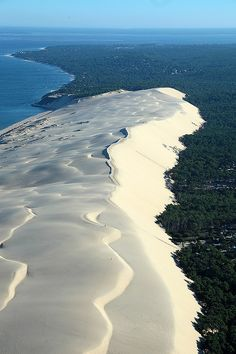 The Great Dune of Pyla -France Road Trip France, France Travel, Aquitaine, Travel Around The World, Around The Worlds, Future Travel, Wonderful Places, Beautiful Beaches, Land Scape