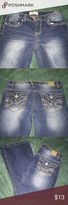 L.e.i  Girls Jeans.  Like NEW 👍 wore one time !!! THESE JEANS ARE IN EXCELLENT CONDITION.  They are lei Chelsea low rise boot cut.  They do have buttons for adjustable waist 😀.  My Daughter only wore them one time !!!  💥.  Size 8 1/2 Plus lei Bottoms Jeans