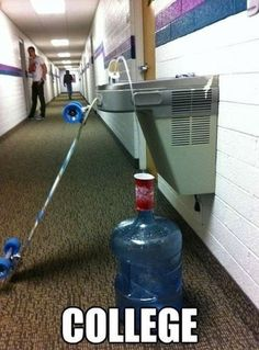 Funny pictures about Clever College Life Hack. Oh, and cool pics about Clever College Life Hack. Also, Clever College Life Hack photos. College Life Hacks, College Humor, Funny College, Funny School, College Dorms, College Majors, College Quotes, School Life, Funny Shit