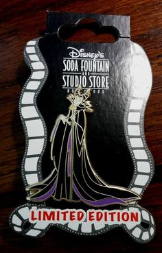 DSF GSF DSSH Maleficent and Diablo LE 300 Disney Pin 64696