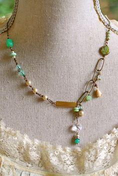 Evelyn Green. RomanticPearl.rhinestone de perles par tiedupmemories