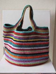 Comme beaucoup de tricoteuses il vous arrive d'avoir des restes de pelotes des ouvrages que vous avez tricotés et vous vous...