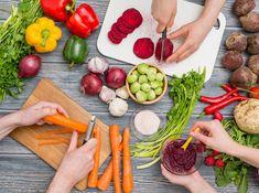 Een uitgebalanceerd vegetarisch of veganistisch dieet kan veel gezondheidsvoordelen met zich meebrengen. Deze voedingspatronen zijn namelijk in verband gebracht met gewichtsverlies, een betere bloedsuikerspiegel en een lager risico op hartziekte en bepaalde vormen van kanker(1, 2, 3, 4). Het kan echter een uitdaging zijn om een uitgebalanceerd vegetarisch dieet te volgen dat alle benodigde voedingsstoffen …