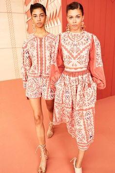 Ulla Johnson Resort 2020 Collection – Vogue Ulla Johnson Resort 2020 Fashion Show Fashion Week, Fashion 2020, Skirt Fashion, Love Fashion, High Fashion, Womens Fashion, Fashion Design, Fashion Trends, Style Haute Couture