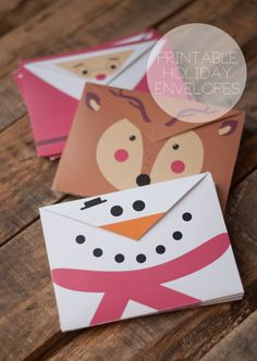 Free printable- reindeer, snowman or santa envelope. Grab some card stock and send your cards in style. #diyenvelope #freeprintable #christmascards