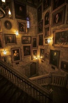 Harry Potter Japan, Harry Potter Hogwarts, Logitech, Aestheticly Pleasing, Todays Mood, Harry Potter Aesthetic, Makeup Rooms, Brown Aesthetic, Grand Staircase