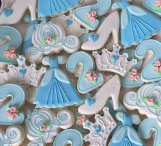 Cinderella cookies Disney Princess Cookies, Disney Princess Birthday Party, Girl 2nd Birthday, Ballerina Birthday, 3rd Birthday Parties, 16th Birthday, Disney Cookies, Princess Theme, Birthday Ideas