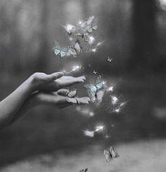 ❝A vida da gente é a coisa mais bonita que existe. Mesmo que nem sempre seja doce. Mesmo que nem sempre tenha cor. Mesmo porque quem dá o sabor e o tom somos nós mesmos. Diariamente.❞ …..Clarissa Corrêa
