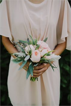pink bridesmaid bouquet @weddingchicks