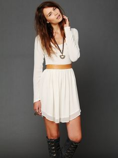 This would be a cute homecoming outfit minus the boots!