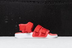 the latest 126df 86e26 adidas Adilette Sandal 2.0 Woman  Trace Scarlet Ftw White Ftw White   105