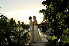 Newlyweds in love at a destination wedding at the Grand Sirenis Riviera Maya Resort. Mexico wedding photographers Del Sol Photography. @SIRENIS HOTELS & RESORTS