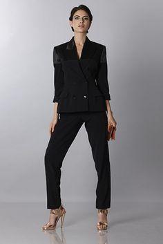 Jean Paul Gaultier - Accattivante completo nero, pronto da noleggiare per le tue occasioni importanti.