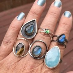 """33 Beğenme, 1 Yorum - Instagram'da Jenn Duval (@moodichic): """"All these gorgeous rings are still up for sale in my shop!Link in bio #gemstones #gems…"""""""