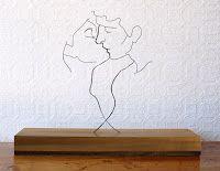 Gavin Worth esculturas en alambre de acero (El beso)