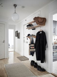 #DECO Apartamento nórdico en tonos neutros combinados con negro | With Or Without Shoes - Blog Moda Valencia España