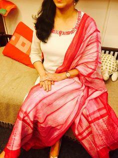 How to buy this Salwar Neck Designs, Dress Neck Designs, Kurta Designs Women, Blouse Designs, Salwar Dress, Anarkali, Churidar, Salwar Kameez, Dress Indian Style