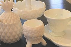 Milk glass PINEAPPLE!!!  Too cute for words.  NEED.  sfm